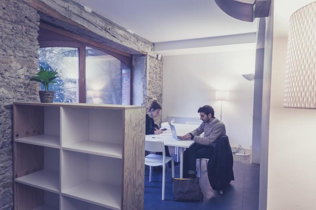 Le petit salon, Lise et Antoine en plein travail